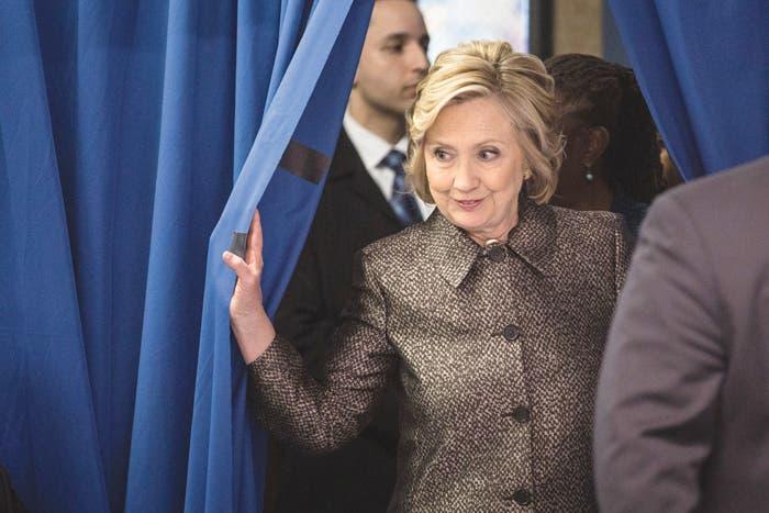 Hillary Clinton anuncia oficialmente su candidatura a presidenciales de 2016