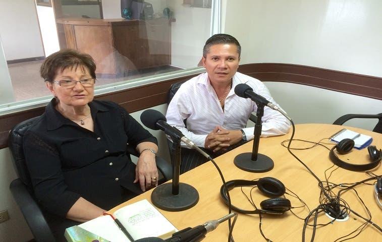 """""""Charlemos"""" destaca aporte cultural de Candilejas"""