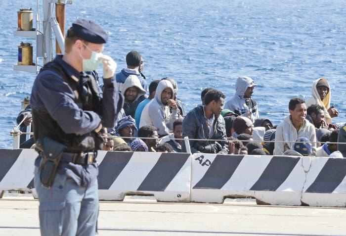 UE se moviliza para responder a drama de inmigración en Mediterráneo