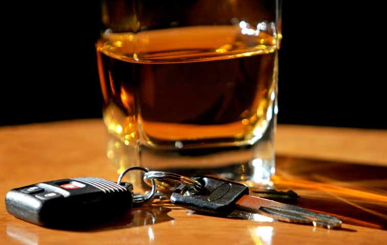 Demeritan proyecto para cero tolerancia de alcohol