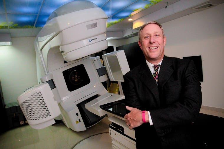 Llega equipo de última tecnología para tratar cáncer