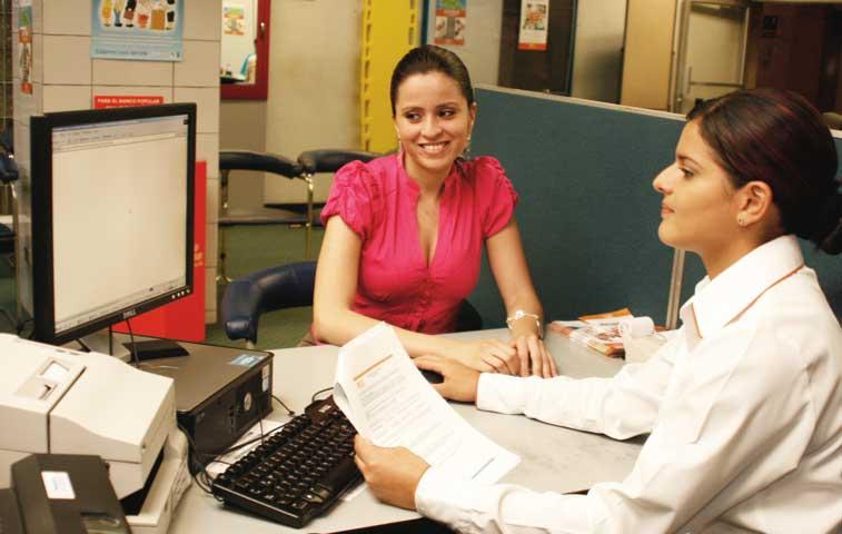 48% de la fuerza laboral del sector bancario es femenina