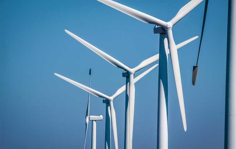 EE.UU. construye su primer parque eólico en el mar