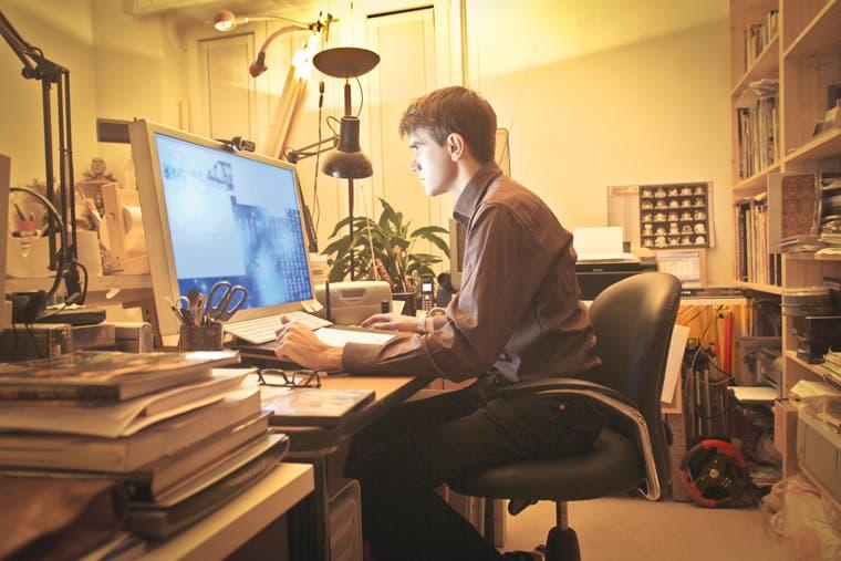 Internet ofrece alternativa para desempleo