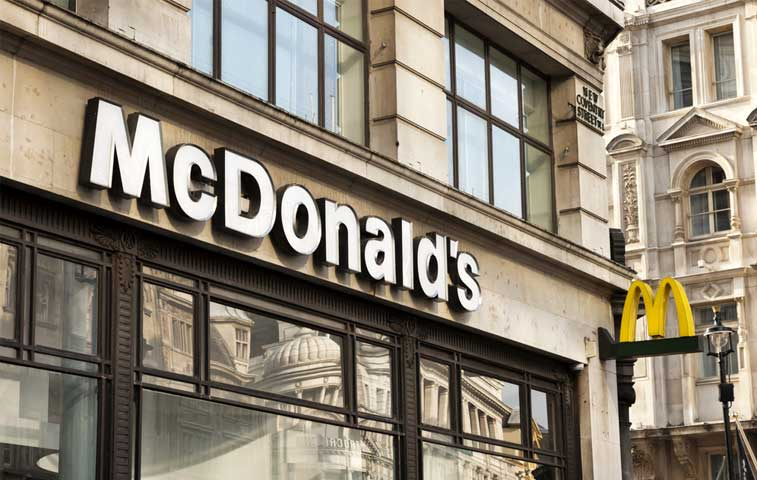 McDonald's anuncia reestructuración para enfrentar caída de ventas