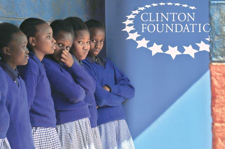Bill Clinton niega que su fundación sirviera para influenciar al Gobierno