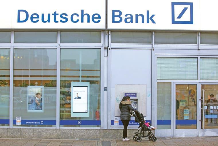 No son los cajeros griegos los que se quedan sin dinero, son los alemanes