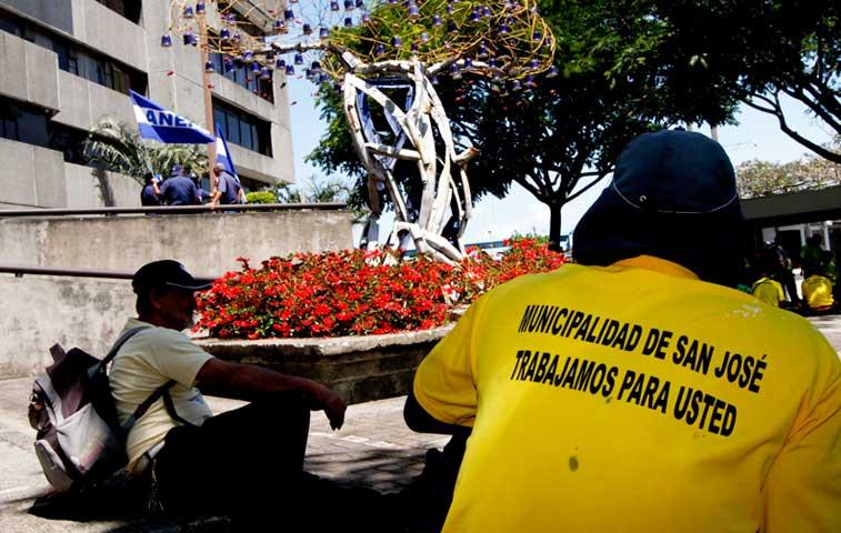 Empleados de Municipio en San José se declararon en paro