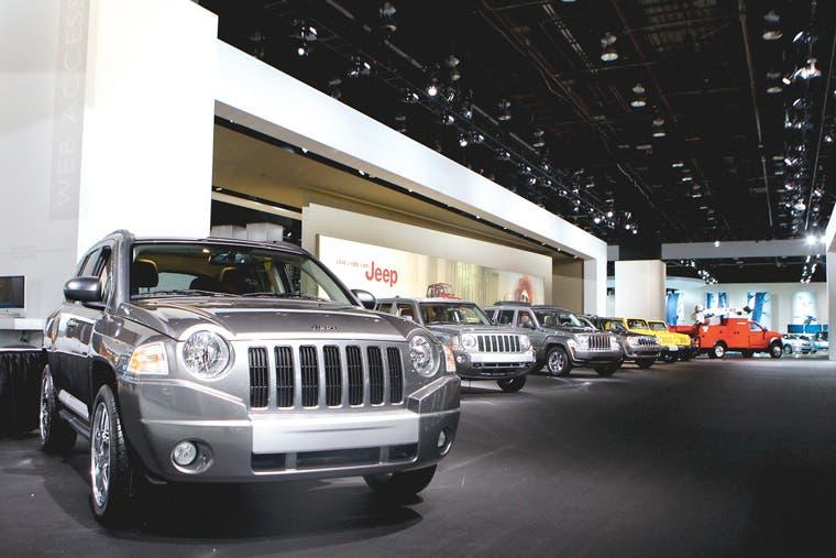 Jeep planea competir con carros de lujo