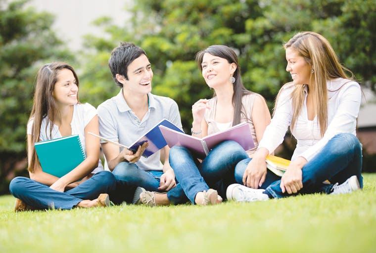 """""""Acreditar una carrera costaría tan solo ¢2 mil por estudiante"""""""