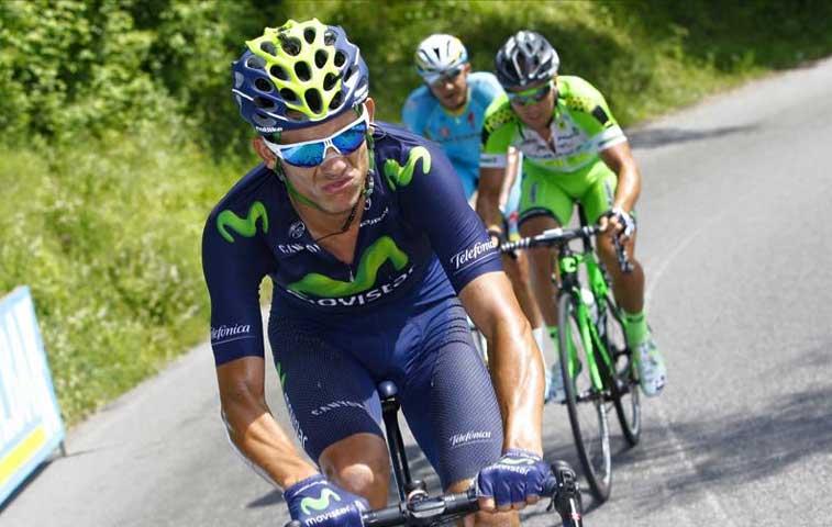 Amador se mantiene en novena posición del Giro de Italia