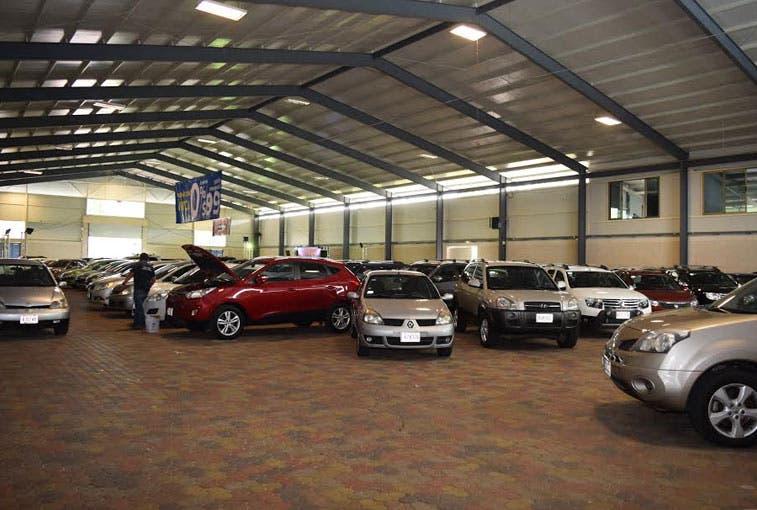 Feria de autos usados continúa este fin de semana