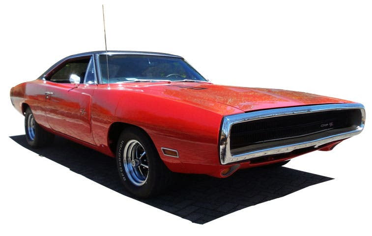 Exhibición de carros antiguos se estaciona en Lincoln Plaza