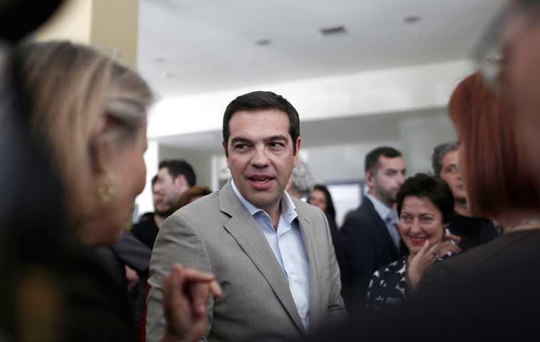 Impasse griego da un nuevo giro con la elaboración de planes enfrentados