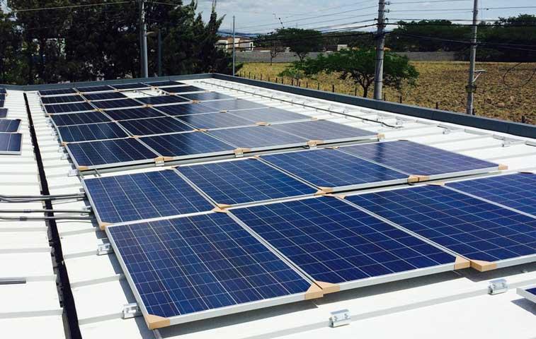 Vindi instaló 168 paneles solares en local de Lindora