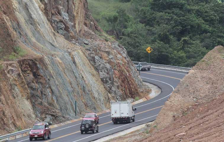 Ruta 27 habilita dos carriles en kilómetro 45