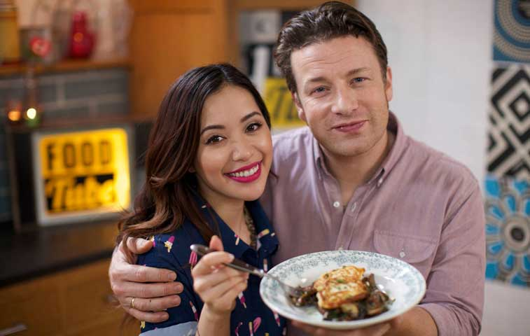 Jamie Oliver disfruta la gastronomía tica