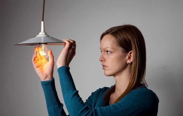 Valoran rebaja de 6,8% en la luz para tercer trimestre