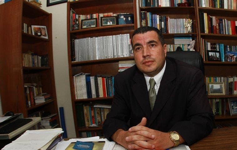 Secretario del PLN cuestiona a Figueres