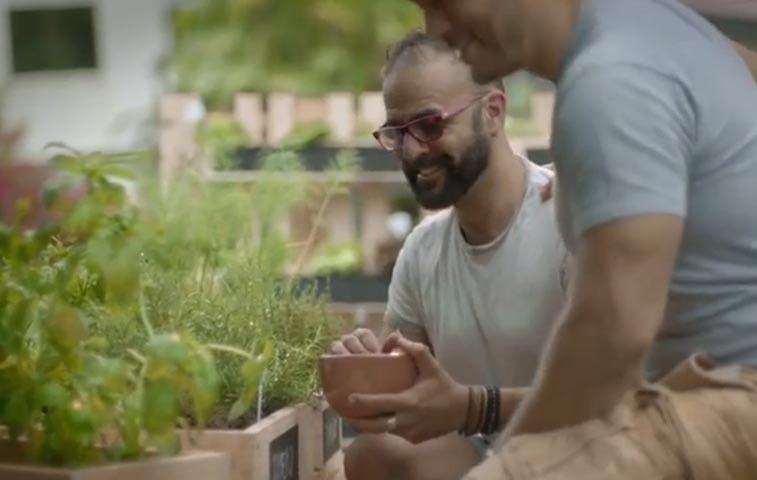 Pozuelo reta a familia tradicional en anuncio publicitario