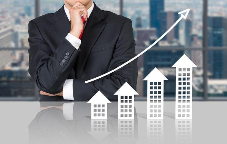 Construcción se eleva sobre economía a la baja