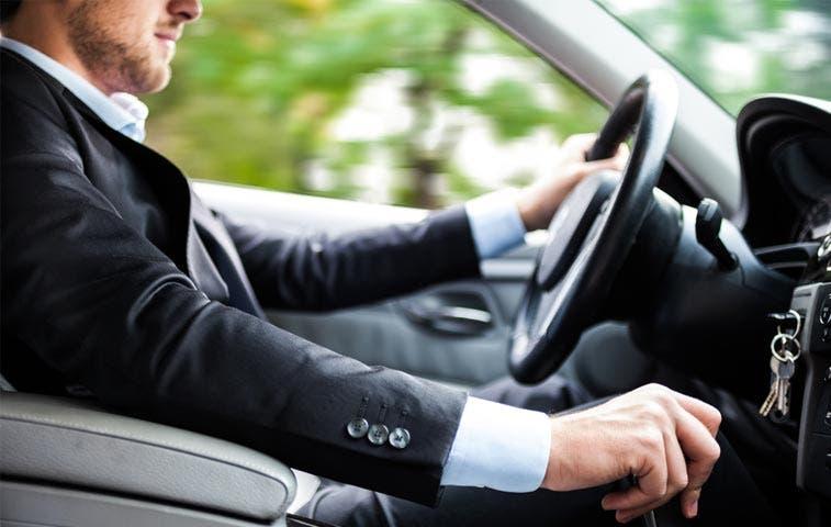 52% de los ticos van en carro al trabajo