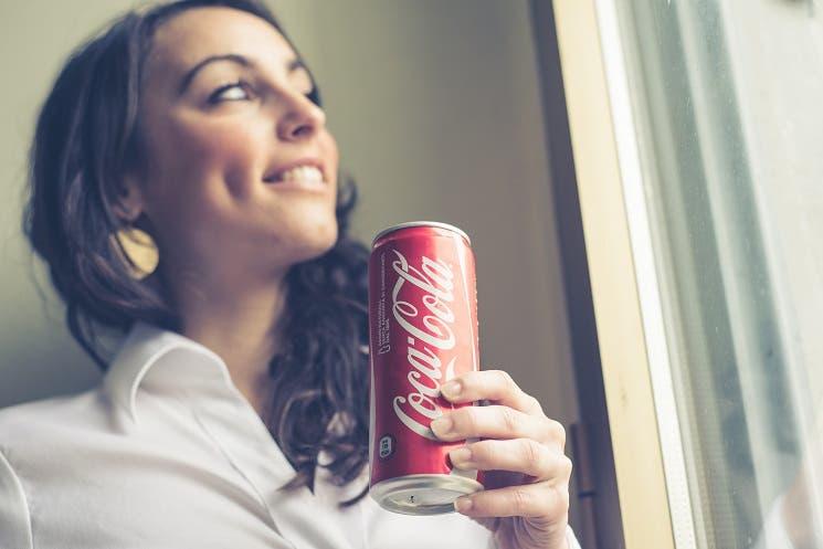 Ticos compran menos Coca Cola que resto de centroamericanos