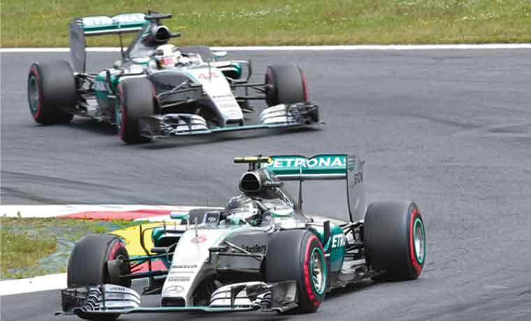 Rosberg aprieta en Austria