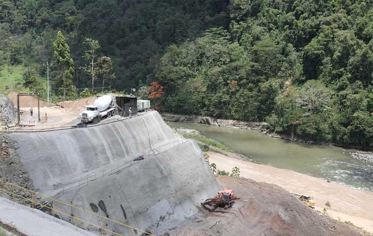Empresa China Sumec fabrica compuertas de Hidroeléctrica Reventazón