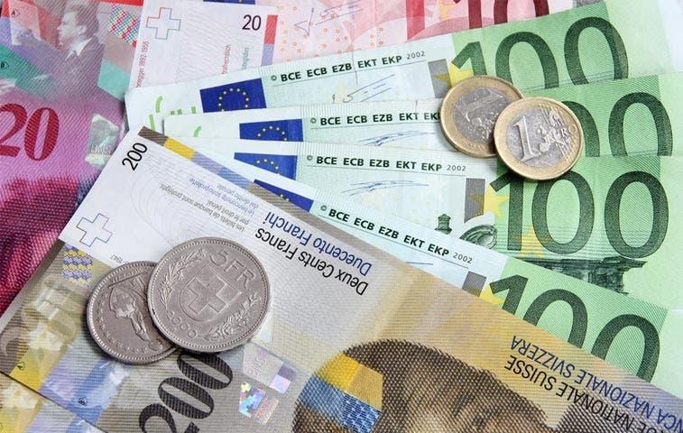 Maldición de aumento del franco suizo va más allá de resolución de crisis griega