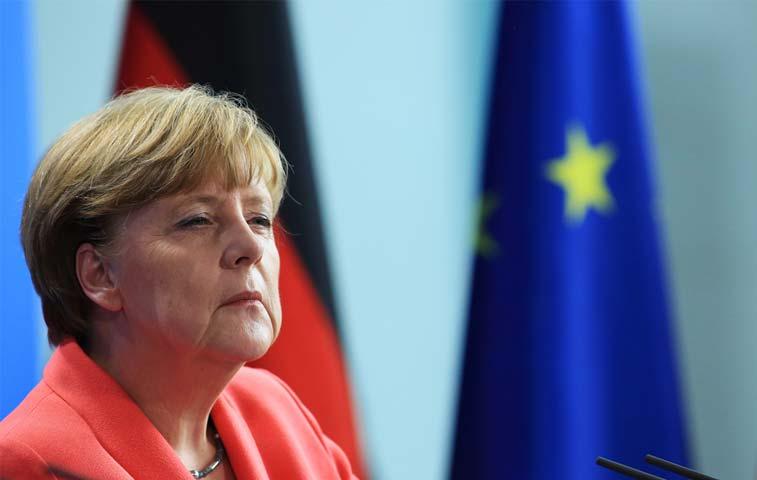 Merkel, en el foco de las críticas por el drama griego