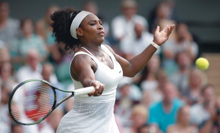 Serena pasa el rodillo