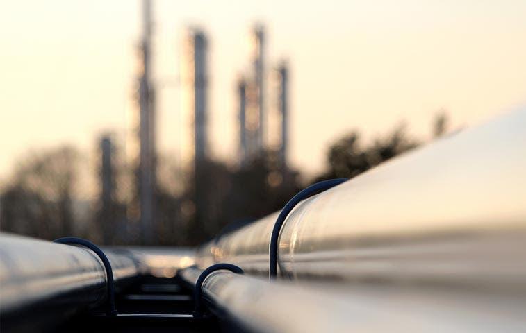 Caída del crudo lleva a perforadores de esquisto a renegociar coberturas