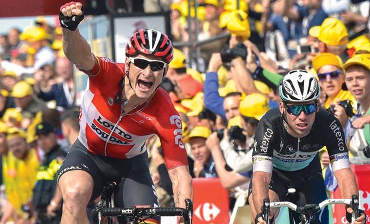 Golpean Contador y Froome