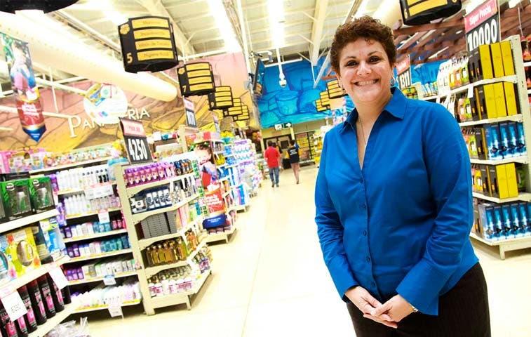 Walmart hará tres ferias de empleo con 100 puestos