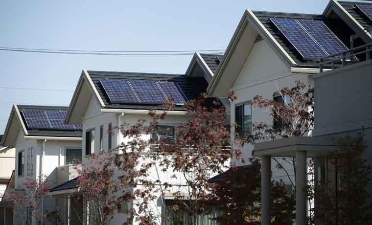 Australia atrae a Tesla por carrera de baterías solares