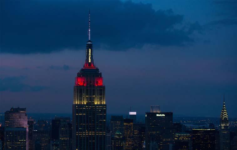 Bolsa de Nueva York suspende temporalmente sus operaciones
