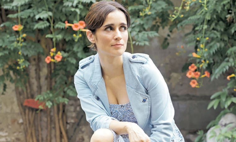 Julieta Venegas regresa optimista y alegre