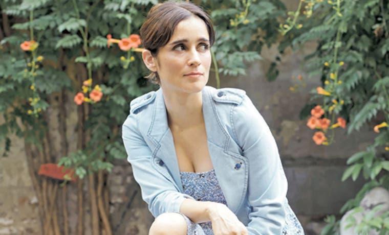 Julieta Venegas regresa optimista y alegre