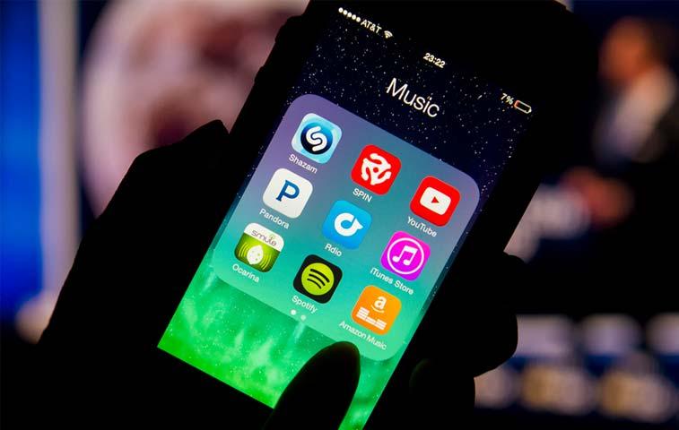 Spotify y Apple disputan por la tienda de aplicaciones