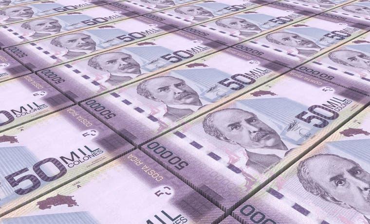 Ticos asalariados pagan pocos impuestos