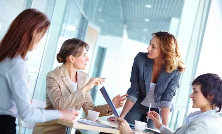 Beneficios de cosechar mujeres en puestos de liderazgo