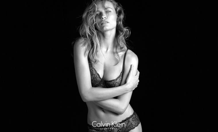 Calvin Klein se rodea de bellezas