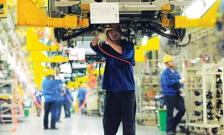 Crecimiento de China supera pronósticos