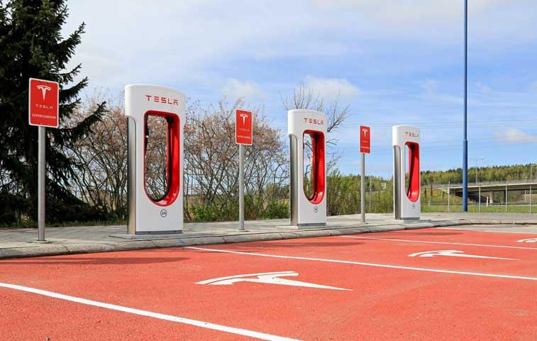 Empresa de energía limpia en India competirá con batería de Tesla