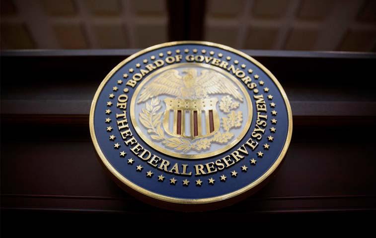 Interpreta la postura de la FED respecto del aumento de tasas
