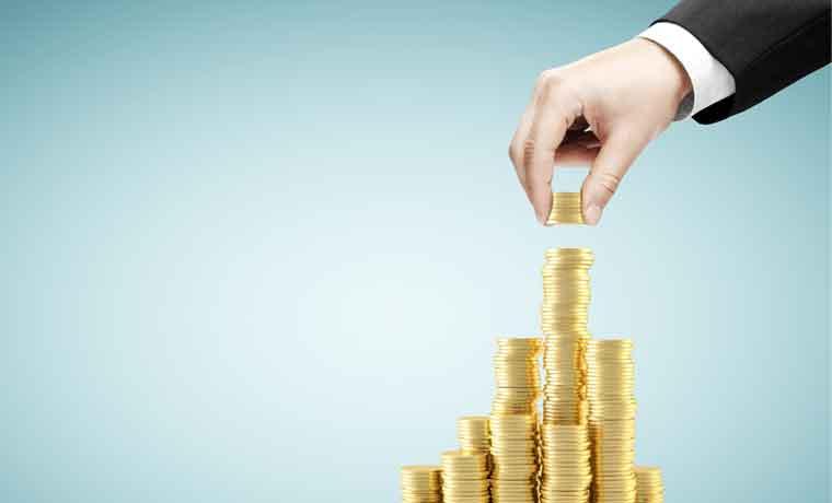 Gobierno no siempre ofrece salarios mayores a los del sector privado