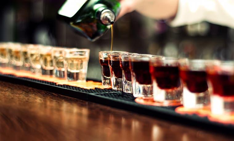 Uno de cinco ticos tiene problemas con alcohol