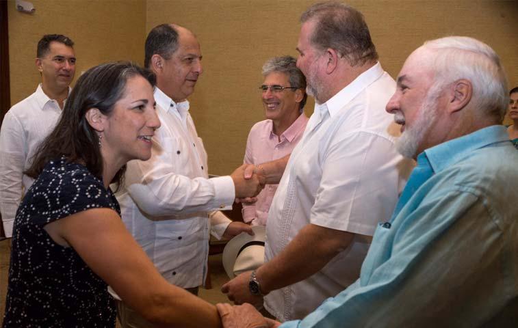 Inversionistas turísticos de Guanacaste se reúnen con Solís