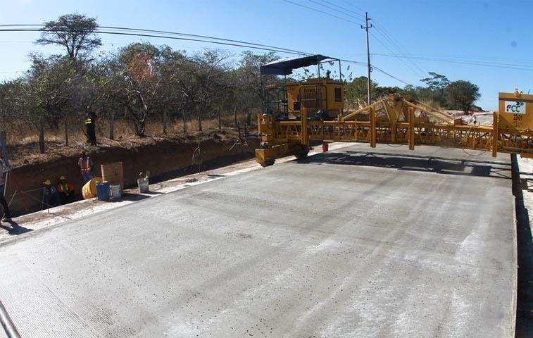 Primera sección de carretera Cañas-Liberia concluiría en enero